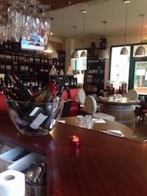 Nous vous proposons de trouver votre meilleur vin dans un choix des plus variés. Vous trouverez aussi des champagnes, bières artisanales et bio